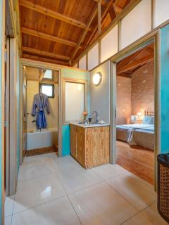 Twin bedrooms bathroom