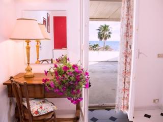 V01| HLUK | villa by the seaside -Ragusa, Marina di Modica