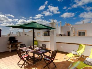 Penthouse Apartment, Swimming Pool, Very Close To Beach Cabanas De Tavira.
