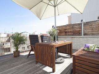 Gràcia Penthouse with Terrace and Pool for 8