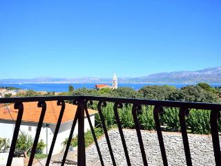 2 Bedroom Apartment with sea view - Gordana A2, Supetar