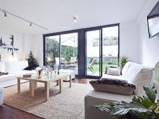 Excellent Duplex in Sarria with Private Pool