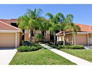Free Golf - 5 Star+ Panoramic Lakeview Condo, Naples