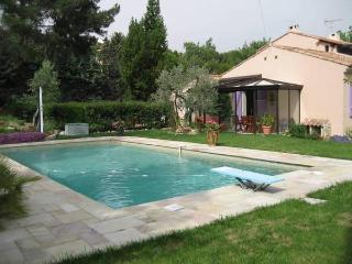 Location Maison Eguilles 3 à 5 personnes 1.400 eur