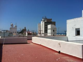 Penthouse-private terrace & ocean views, Cádiz