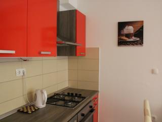 Nice 1 BD apartment, 5 min walk to the beach, Split