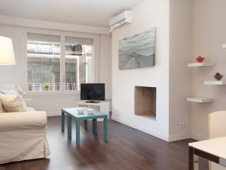 LetsGo Barcelona Diagonal Avenue 4pax. Apartment.