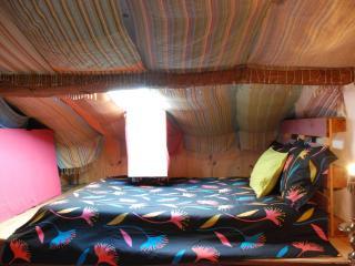 casa das janelas tortas (sótão/attic ) partilhado, Guimaraes