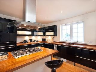 Ratcliffe Terrace Apartment, Sleeps 10