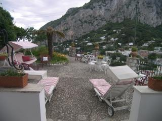 Villa Tre Castagni, wonderful view near Piazzetta, Capri