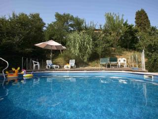 Private Villa with a wonderful view and private pool, close to Siena