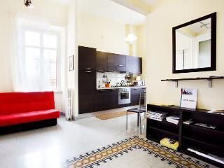 Donna Rossa apartment in Vaticano {#has_luxurious…