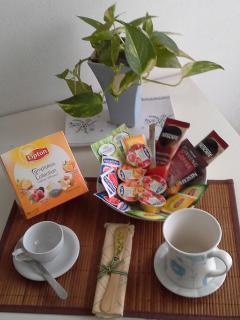 Caffè, tè e marmellate.