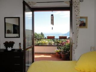 Modern Apartment With Panoramic Lake Views, Stresa