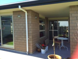 SHARED HOUSE WITH SINGLE LIKE HOME, Papamoa