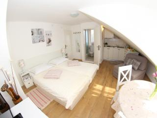 New studio apartment in the old town