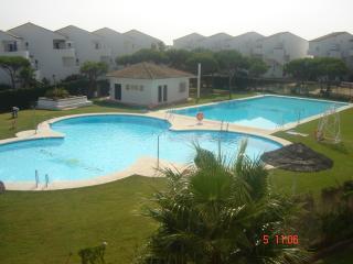 las dos piscinas comunitarias