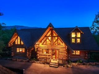 "$599/nt Aug 20-31 ~ ""LeConte View"" Gorgeous 7 BR Log Cabin, 1 Mi to Pool, GmRm"