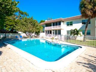 Cayman 204, Holmes Beach