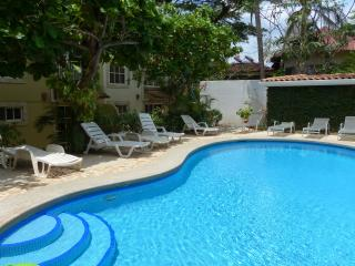 Summer Special $99 p/n thru August- 2/2 condo w pool & walk to beach