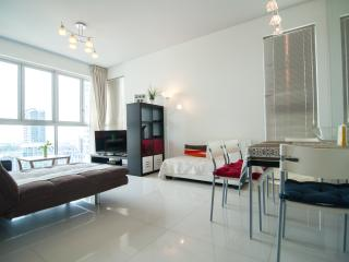 STUNNING SEA VIEW 2BRM/2MIN TO MRT!, Singapur