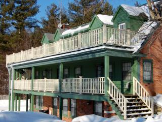 SKI Bromley & Stratton Mts! Great for Groups! Sleep 20: 6.5 bedroom, 6.5 baths!, Manchester
