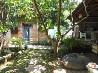 Tranquil Artist's Retreat in Sanur