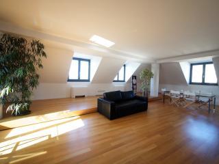 Pent-House Apartment, Génova