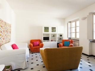 Central 2-Bedroom Apartment, Génova