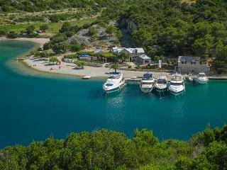Ana, Insel Brac