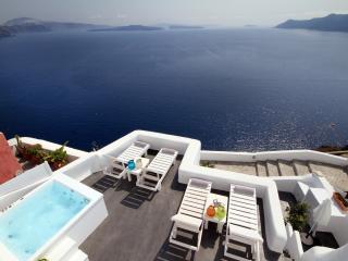 Mystic Luxury Villa I,  Caldera View & Jacuzzi, Oia