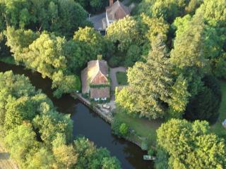 GITE RURAL LA PETITE FORGE - PISCINE - CANAL, Saint-Amand-Montrond