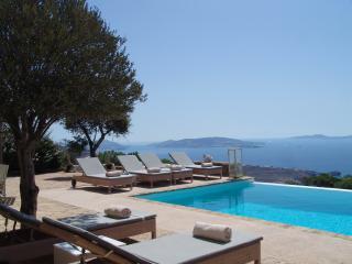 VILLABEAT  |  Villa Elle, Tourlos