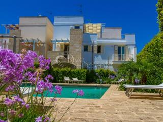 Holiday apartment with pool near Gallipoli, Santa Maria al Bagno