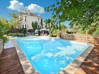 Elegant character home with private pool, Gensac