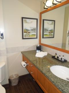 3rd full bathroom with bath tub.