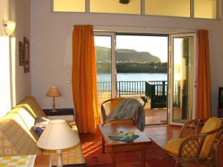 Oceanfront, Casa Azalea, sleeps max 2-4., Mosteiros