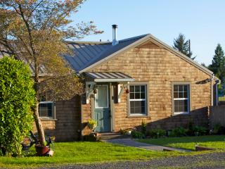 Wood Street Guest House // 2 Bedroom Main House, Forks