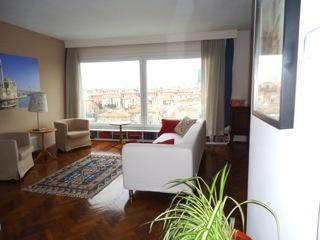 Spacious 3 bedroom with magnificent views, Estambul