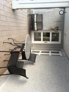 Rear deck with seating for up to 8 provided and barbecue supplied