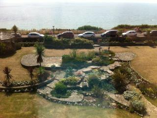 Luxury sea view apartment Bournemouth East cliff