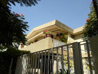 Dickinson Guest House, Business Optimal Rental near Expo Guadalajara!