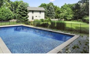 East Hampton retreat with pool and walk th