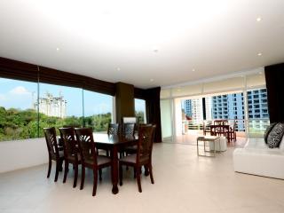 Luxury 3 Bed Condo Sea View 230sqm, Pattaya