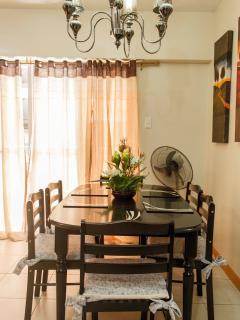 Dining Area (Table with 6 Chairs)