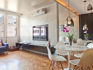 Funky 1 Bedroom Apartment in Leblon, Rio de Janeiro