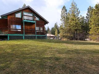 11-person cabin, pet-friendly, near golf, Garden Valley