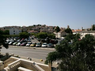Apartment with balcony on Main Square, Hvar