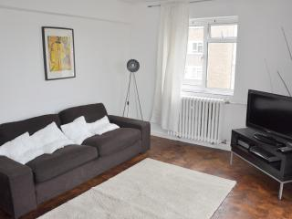 TWO BEDROOM APARTMENT IN  ST JOHNS  WOOD, Londres