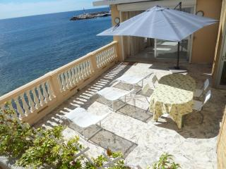 Apartment on the beach promotion last week august, Èze